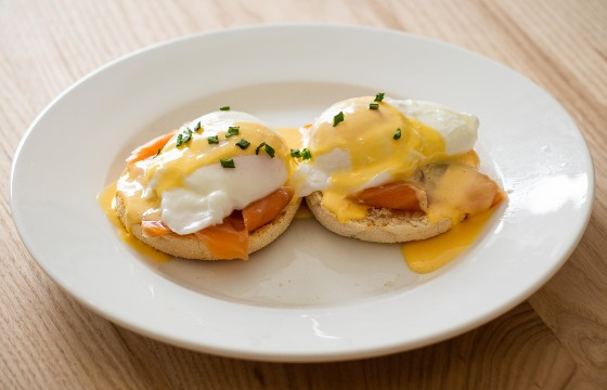 Eggs Royale with Hollandaise Sauce