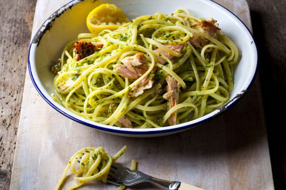 Peppered Salmon Pasta with Rocket Pesto