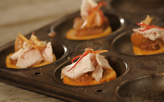 Smoked Chicken & Cider Jelly Crostini