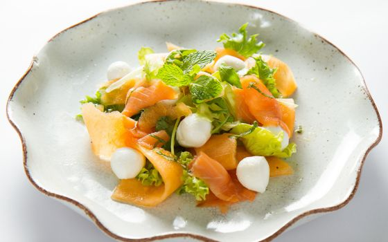 Smoked Salmon & Mozzarella Salad
